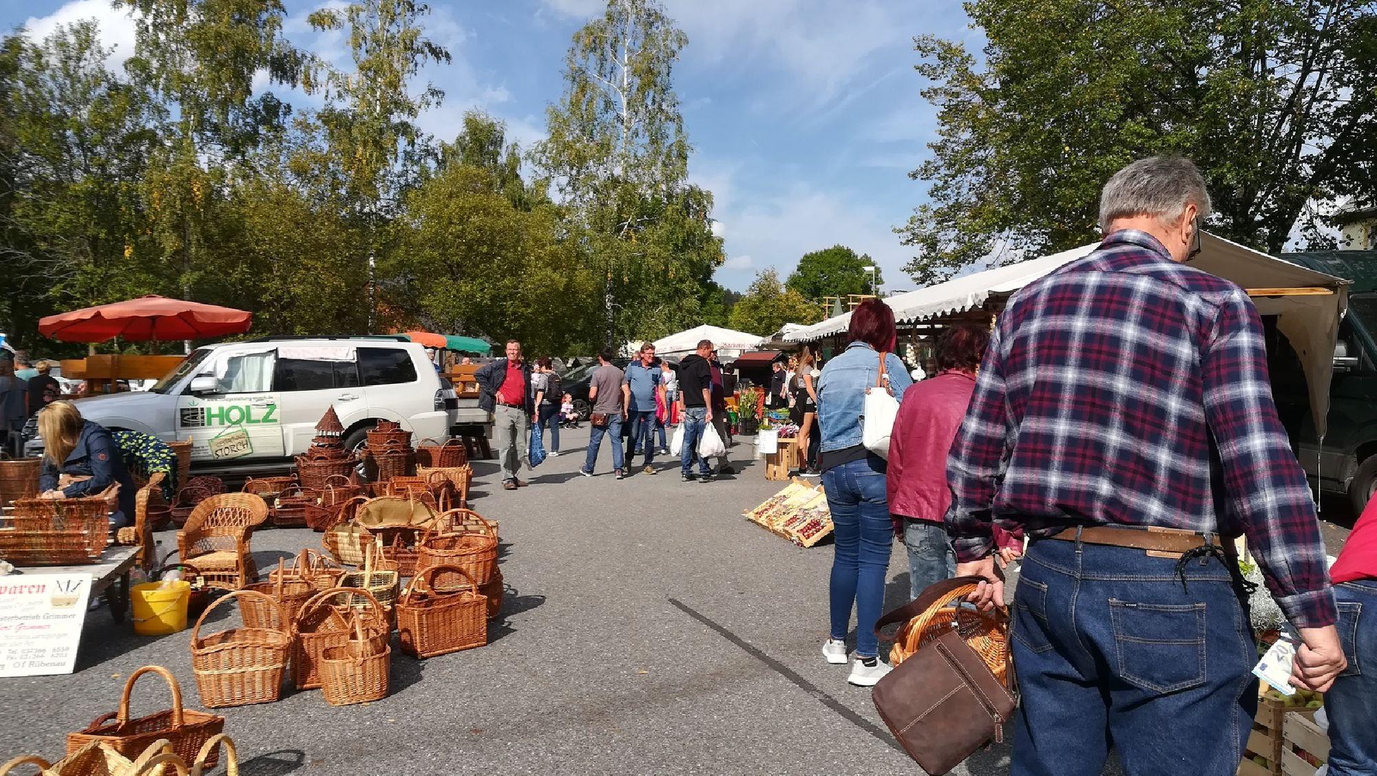 Korbwarenstand Naturmarkt