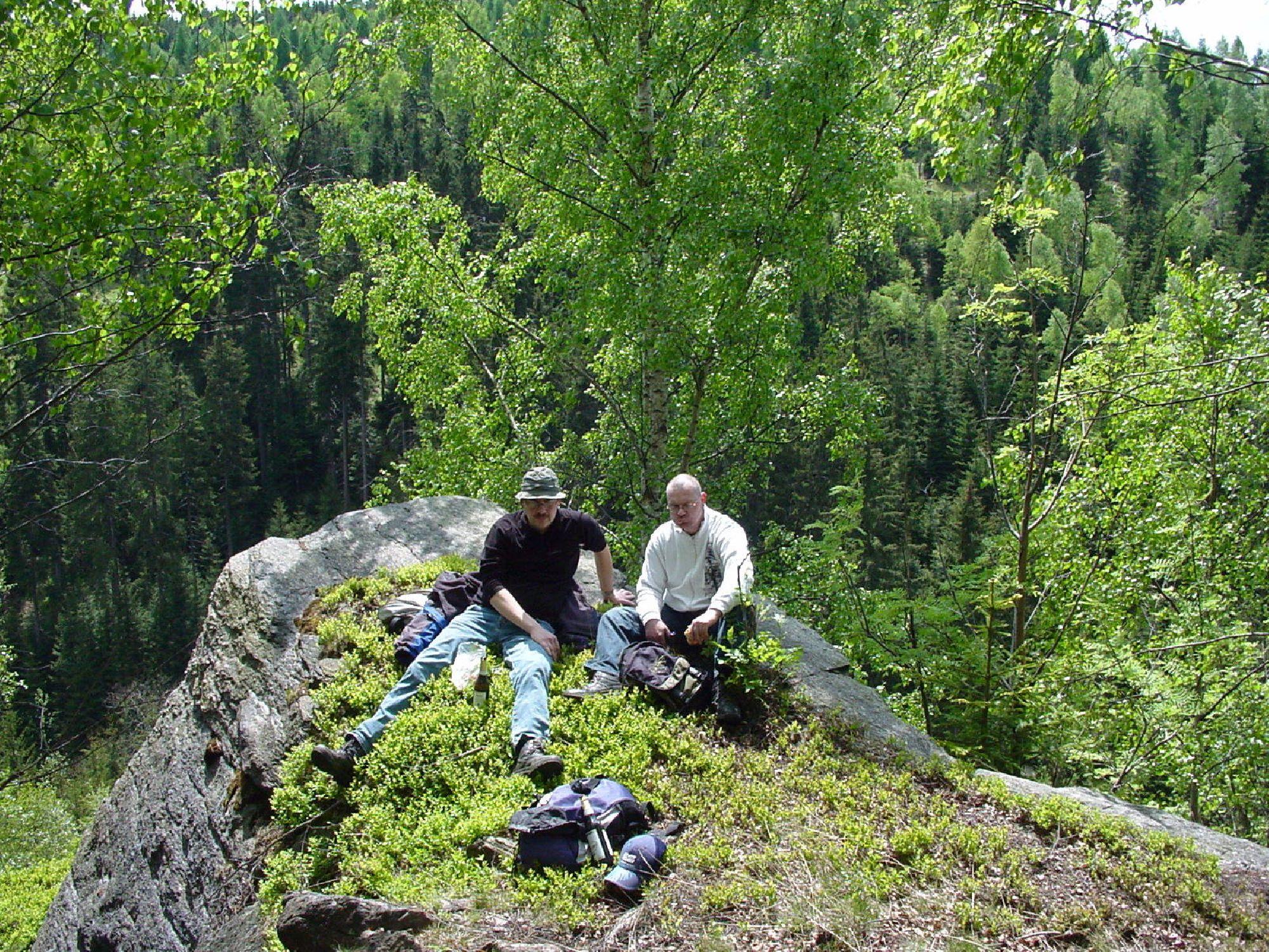Rast auf dem Felsen oberhalb der Lochmühle