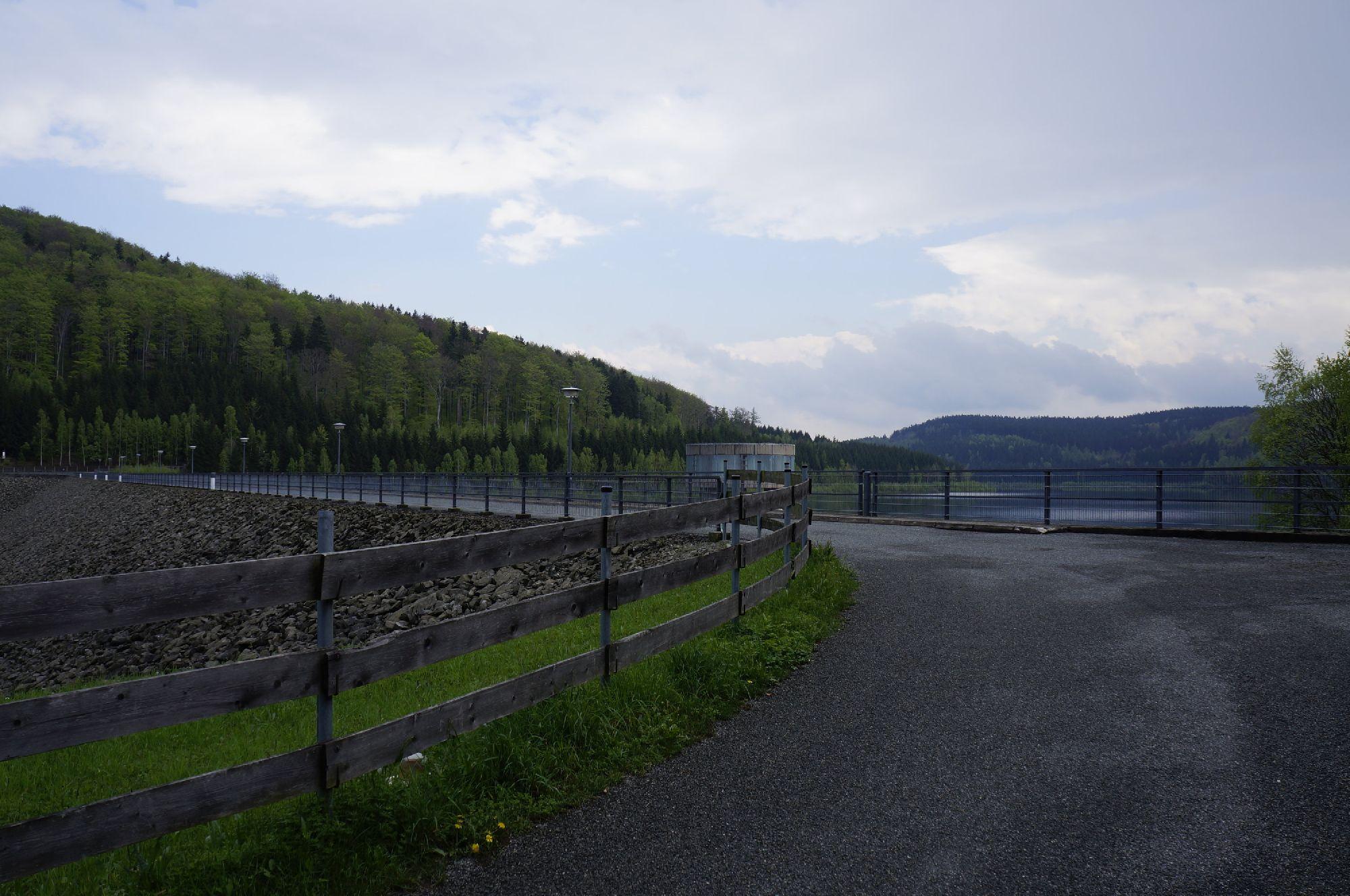 Blick zur Talsperre Lichtenberg