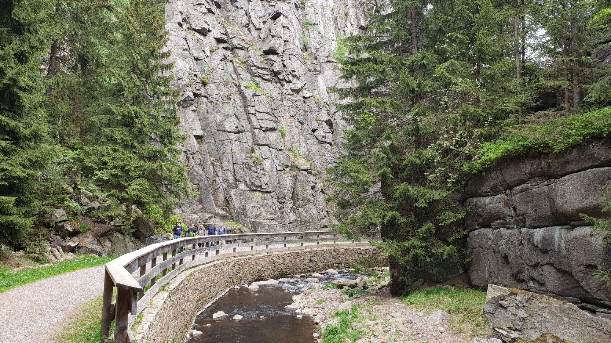 Wanderweg entlang des Nonnenfelsen