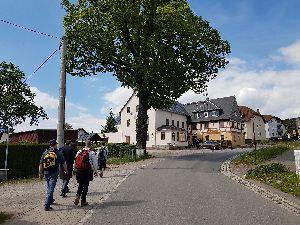 """Wanderung zum Gasthof """"Drei Linden"""" in Niederneuschönberg"""